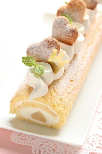 サントノレ口金-桃のロールケーキ