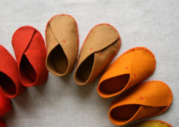 felt-baby-shoes-3-425