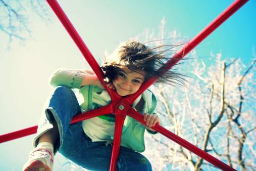 住環境スタイルによる現代病?『高所平気症』から子供を守る方法